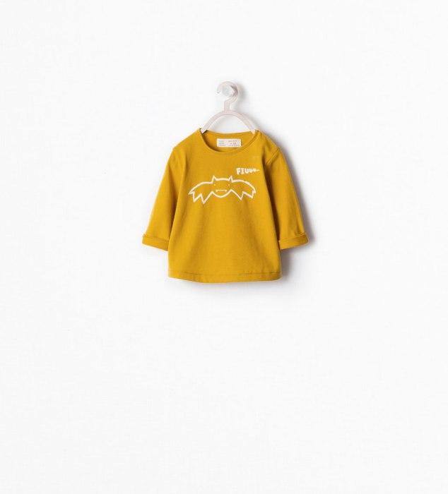 Camiseta bebé de murciélago de ZARA