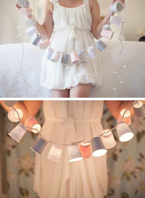 Guirnalda de luces con vasos